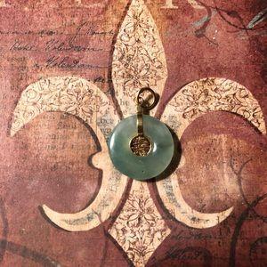 Jewelry - Jade and gold round pendant